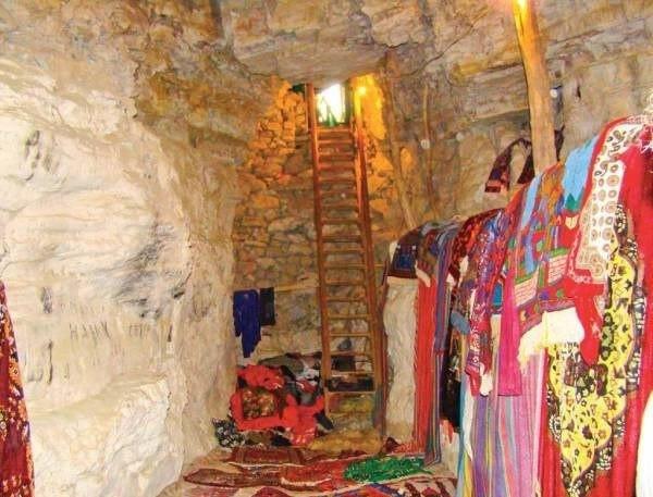Дюрк — древний храм внутри пещеры. Дюрк — древний храм внутри 1
