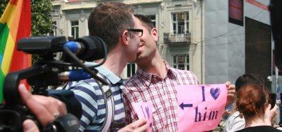 """""""Православные родители"""" напали на гей-парад. 27209.jpeg"""