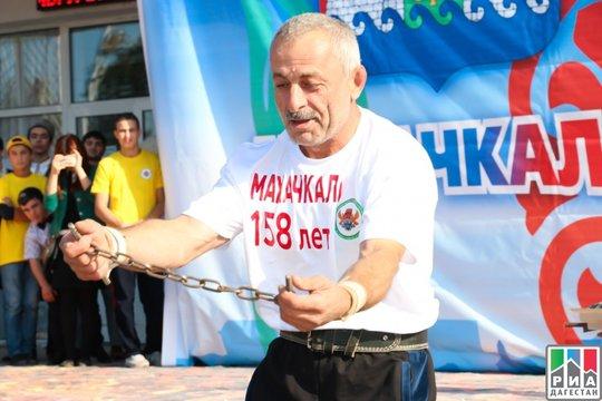 Омар Ханапиев – многократный рекордсмен Книги рекордов Гиннесса. 30223.jpeg