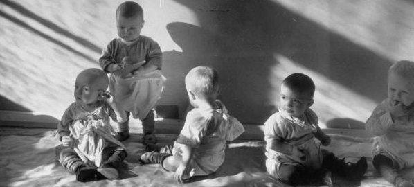 Грузинское правительство идет в детский сад. 27416.jpeg