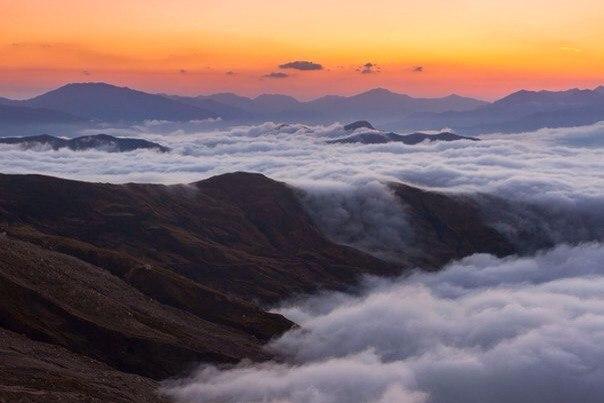 Гора Шалбуздаг — одно из священных мест для мусульман Дагестана.. Гора Шалбуздаг — одно из 8