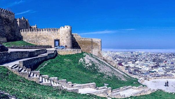 Живет в Дагестане 5000 лет старинный, красивый город Дербент