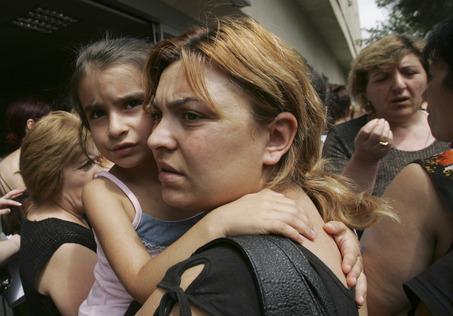 Беженцы берут Иванишвили штурмом. 28638.jpeg