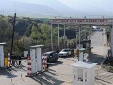 European millions at Armenian border. 28765.jpeg
