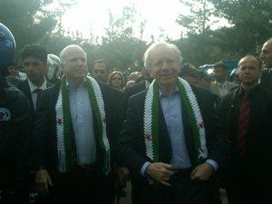 Сирия: затишье перед бурей?. Маккейн и Либерман в лагере сирийских беженцев