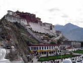 Китай не пустил грузина с флагом в Гималаи