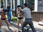 FEMEN обнажили Мишико