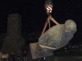 Темной ночью свергли Сталина