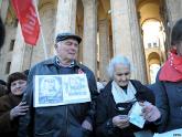 Власти Грузии ездят на пенсионерах