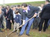 Саакашвили загонит правительство в землю