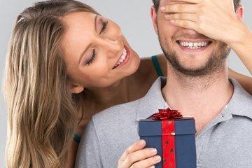 Почему дарить подарки приятнее, чем получать