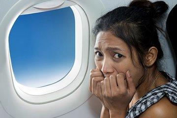 Почему люди боятся летать на самолетах?