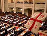 Парламентская оппозиция за «бархатный референдум»