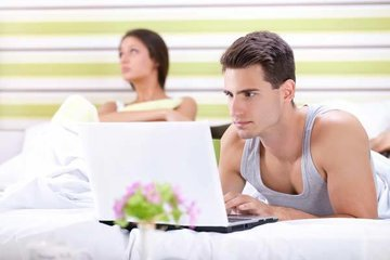 Как сохранить отношения с мужчиной-трудоголиком
